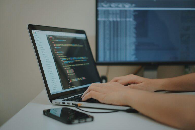 Weboldal készítőt keresek. Így találhatsz jó weboldal fejlesztő csapatot.